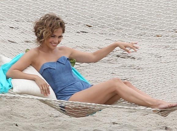 Jennifer Lopez : entre de deux dates de sa tournée mondiale, farniente avec les trois amours de sa vie...