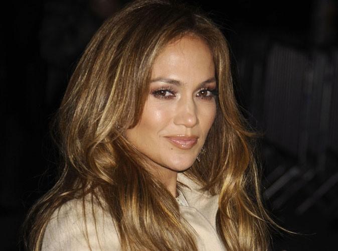 Jennifer Lopez : mais quand arrêtera-t-elle de paraître 10 ans de moins !