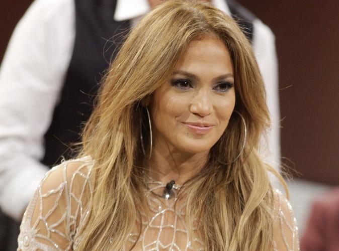 """Jennifer Lopez : une mamacita ultra """"hot"""" pour célébrer l'anniversaire de sa soeur à Paris !"""