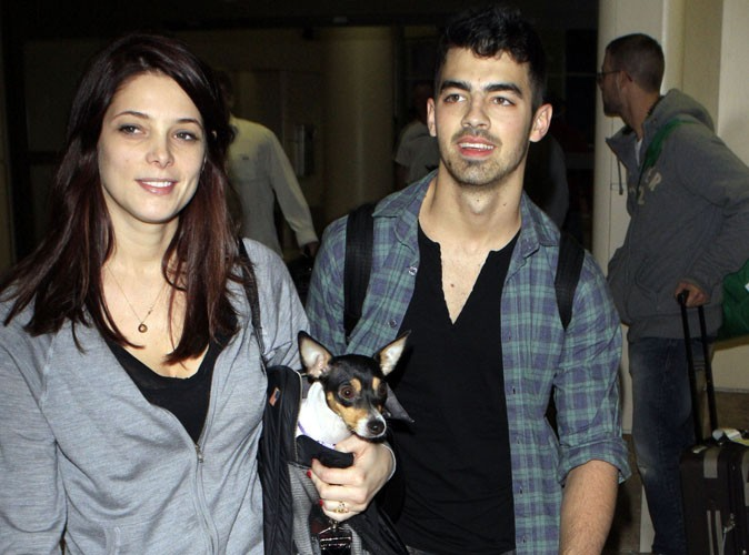 joe jonas au sujet de sa rupture avec ashley greene j. Black Bedroom Furniture Sets. Home Design Ideas