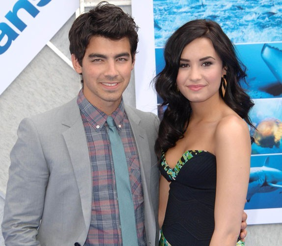 Joe Jonas : depuis qu'il a recroisé son ex Demi Lovato, il a hâte de la revoir !