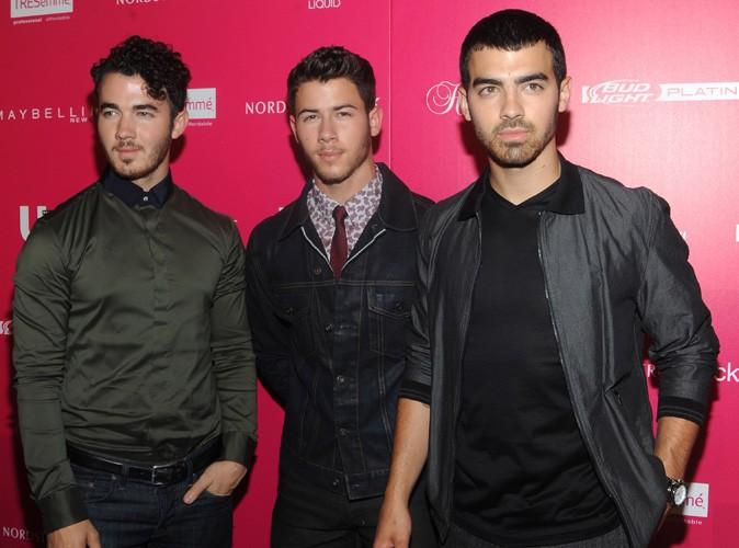 Joe Jonas : il refuse de se rendre à un rendez-vous avec ses frères après l'annulation soudaine de leur tournée !