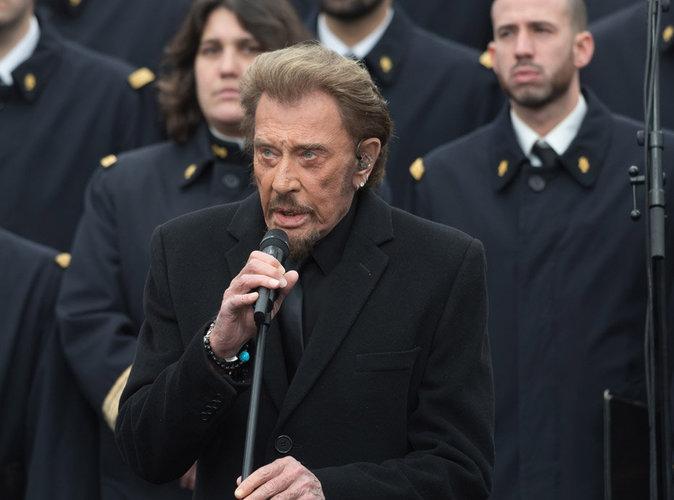 """Johnny Hallyday : 30 000 euros pour l'hommage aux victimes des attentats ? """"Grotesque"""" pour son avocat !"""