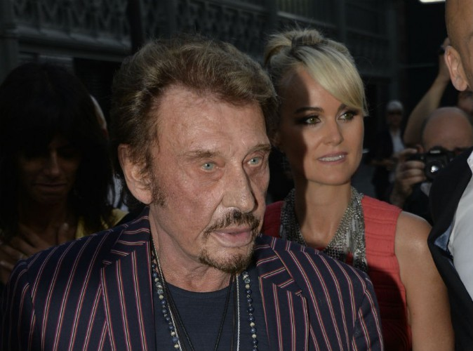 """Johnny Hallyday accusé de viol : """"aberrant"""" selon son ancien manageur, Adeline Blondieau appuyée par son frère !"""