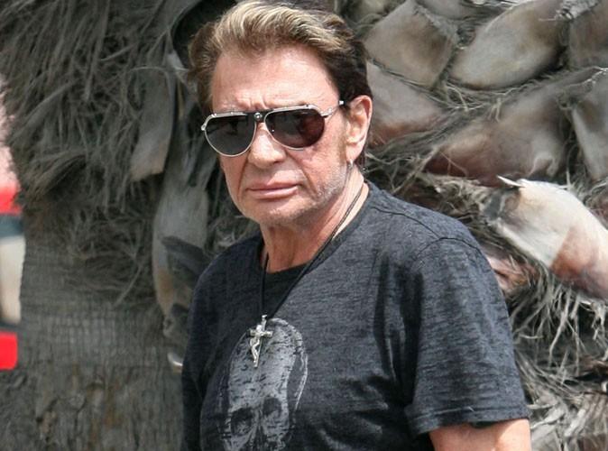 Johnny Hallyday : contraint d'arrêté de jouer sa pièce de théâtre !