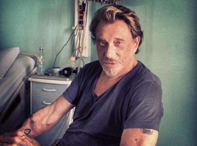 Johnny Hallyday : Laeticia poste une photo depuis l'hôpital !