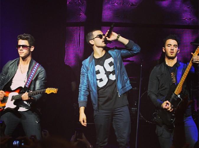 Jonas Brothers : ils demandent à leurs fans d'être patients !