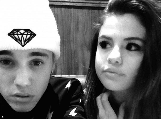 Justin Bieber : après avoir demandé à Selena d'emménager chez lui, il cuisine pour elle !