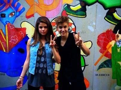 Justin Bieber et Selena Gomez : plus amoureux que jamais au Japon !