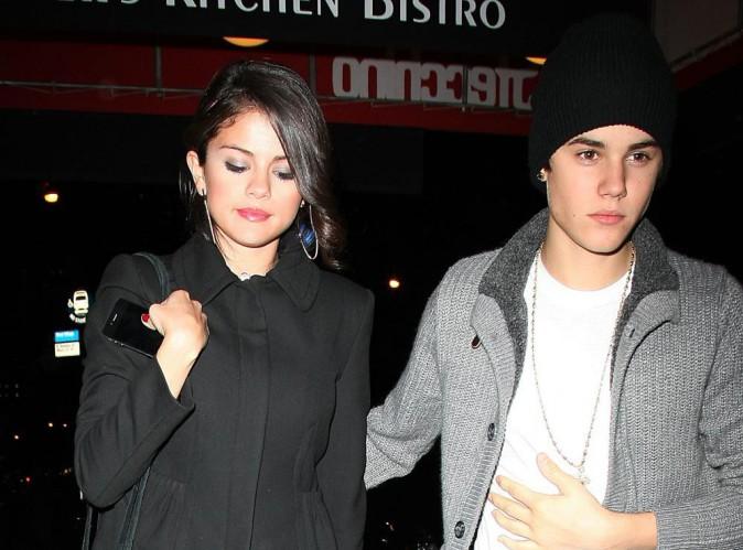 - Justin-Bieber-le-chanteur-officialise-t-il-sa-relation-avec-Selena-Tout-va-bien-maintenant.-On-a-gere-!_portrait_w674
