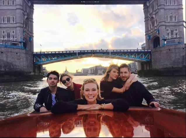 Taylor Swift & Calvin Harris et Joe Jonas & Gigi Hadid... Avec eux, Karlie Kloss joue la 5e roue du carrosse !