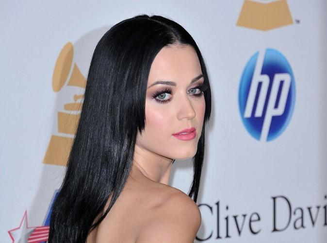 Katy Perry a su grâce à Internet que Russell Brand allait la demander en mariage... Depuis, elle boycotte Google !