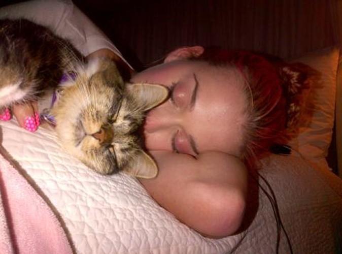 Katy Perry : elle partage son lit avec une autre fille !