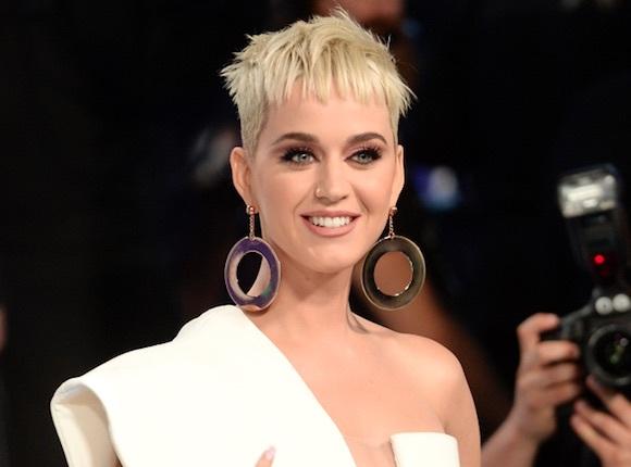 Katy Perry et Lionel Richie : Enfin une photo dans le jury d'American Idol !