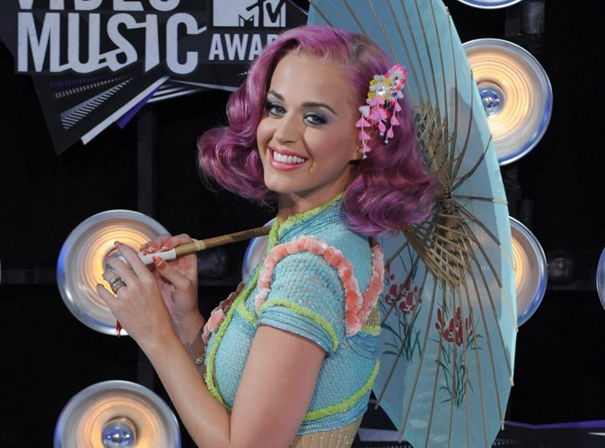 Katy Perry : maintenant ses cheveux sont bleus !
