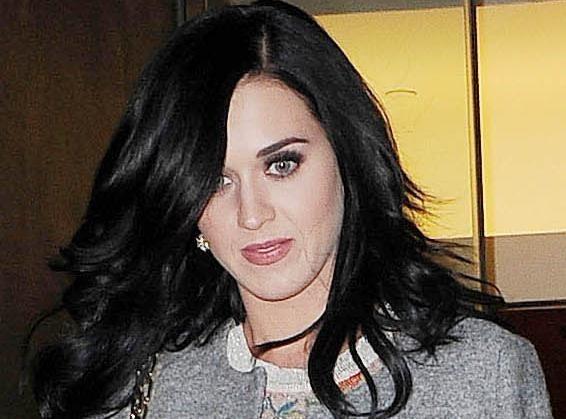 """Katy Perry : une """"halloween party"""" déjantée pour célébrer ses 28 ans..."""