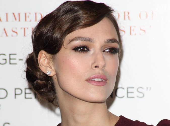 keira knightley l 39 actrice est fianc e. Black Bedroom Furniture Sets. Home Design Ideas