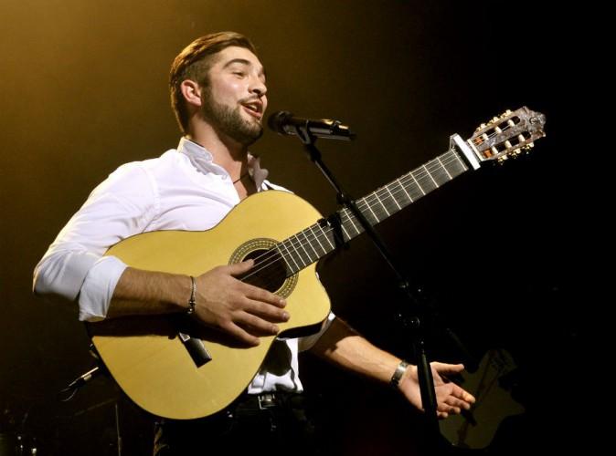 Kendji Girac rejoint Ariana Grande sur scène à Paris... Le tandem pas vraiment au point !