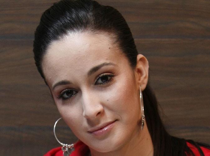 Kenza Farah : elle revient sur sa décision et n'arrête plus sa carrière !
