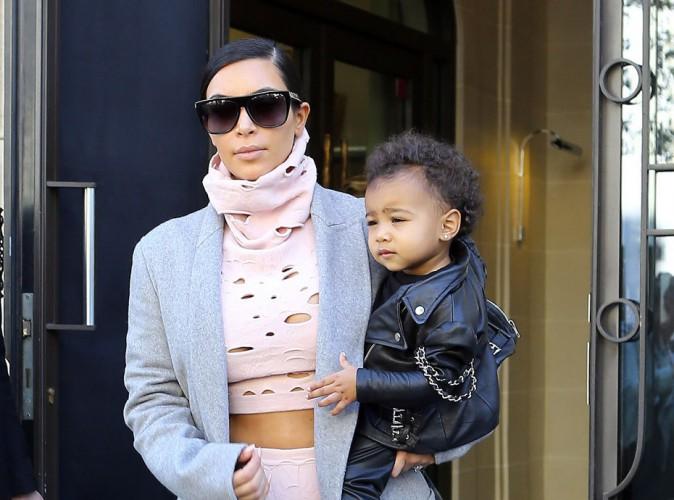 Kim Kardashian : accusée d'avoir oublié North à son hôtel, elle contre-attaque !