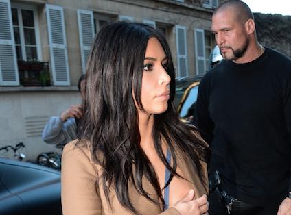 Kim Kardashian agressée à Paris : les photos choc (qui vont faire le tour de la planète) !