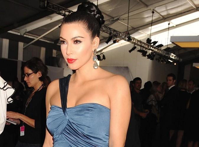 Kim Kardashian : bien décidée à rendre un téléphone qu'elle a trouvé !