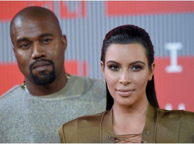 Kim Kardashian dévoile en vidéo les cadeaux reçus depuis la naissance de Saint !