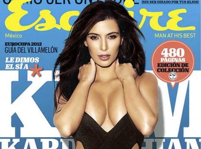 Kim Kardashian : elle passe à la limite de la sortie de tétons…