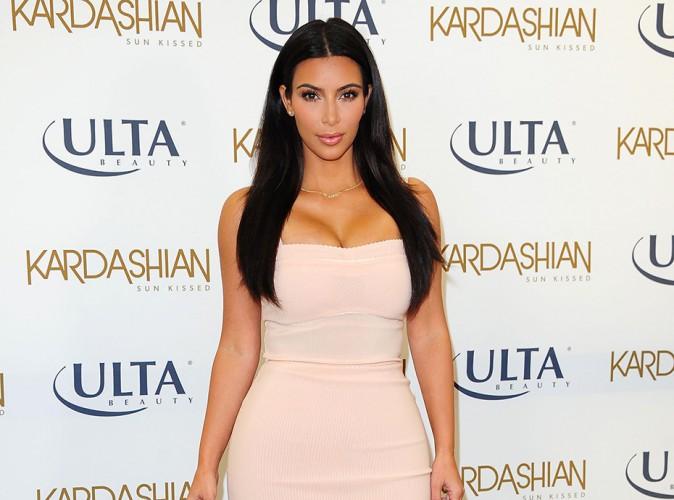 Kim Kardashian : mégalo, elle s'apprête à publier un livre de ses 1.200 selfies !
