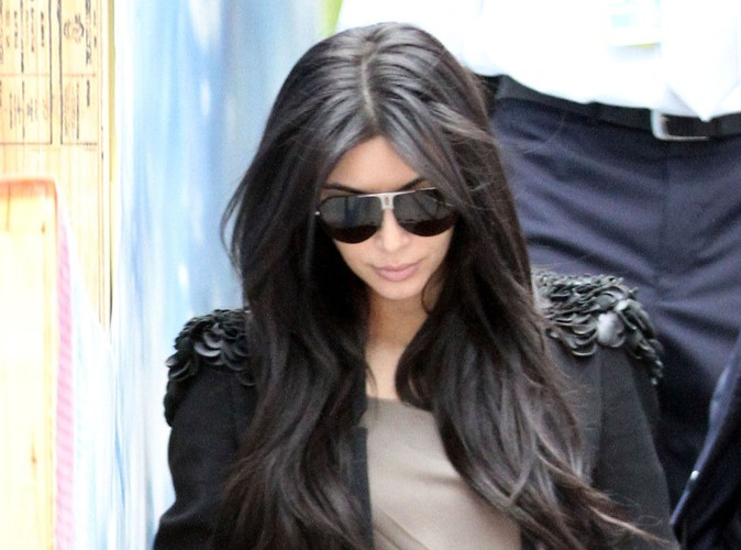 Kim Kardashian : ses amies restent en contact avec Kris Humphries!