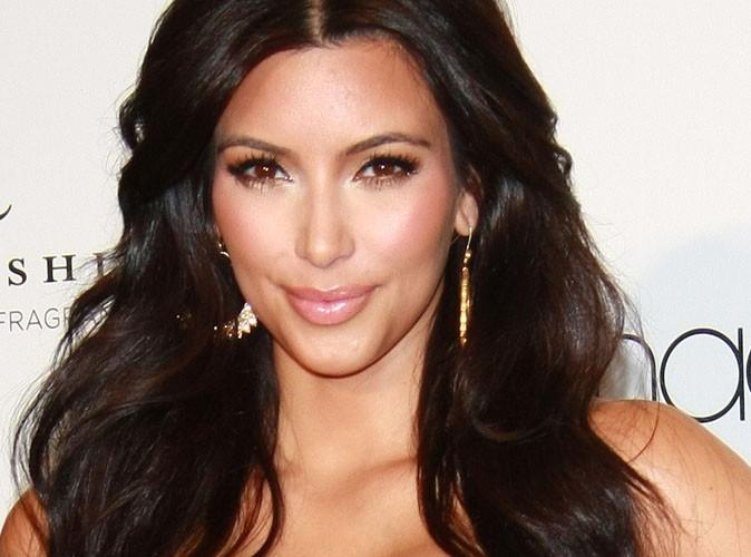Kim Kardashian : son chéri ne l'a pas demandée en mariage, mais elle cherche quand même sa bague de fiançailles !