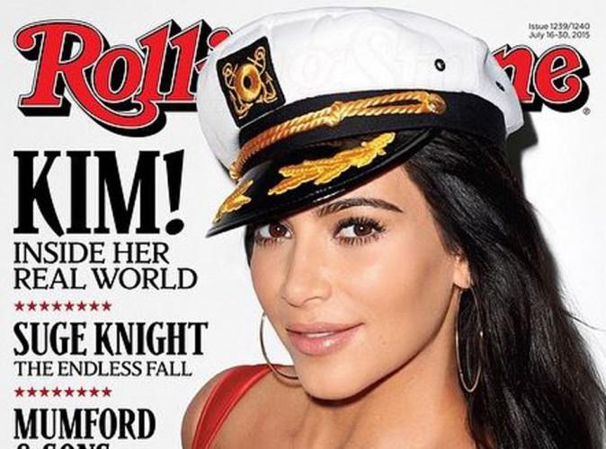 Kim Kardashian : moussaillon au d�collet� ravageur... Elle va vous faire chavirer !