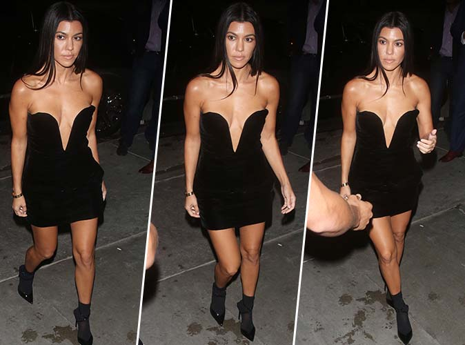 Kourtney Kardashian : Bombesque en mini-robe noire ultra décolletée