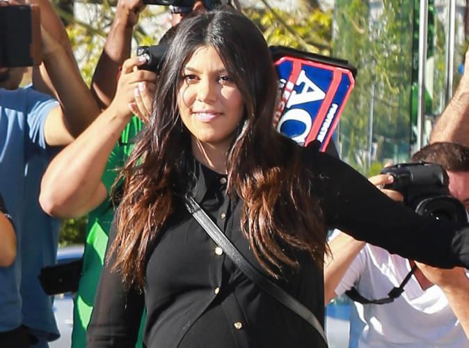 Kourtney Kardashian : elle dévoile ENFIN une première photo et le prénom de son baby boy !