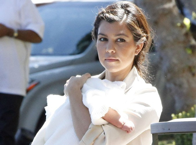 Kourtney Kardashian : enfin toutes les photos de son premier shooting familial avec Penelope !