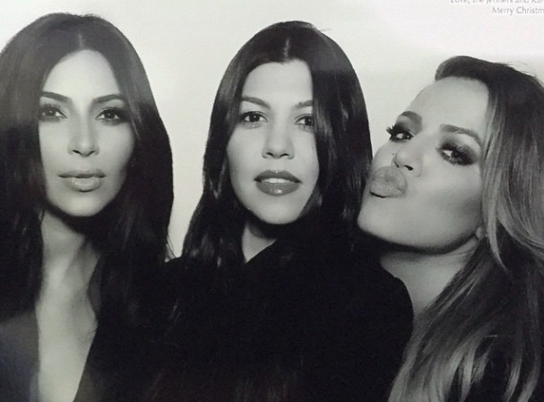"""Kourtney, Kim et Khloé Kardashian : """"elles étaient hystériques"""" quand Bruce leur a annoncé qu'il voulait devenir une femme !"""