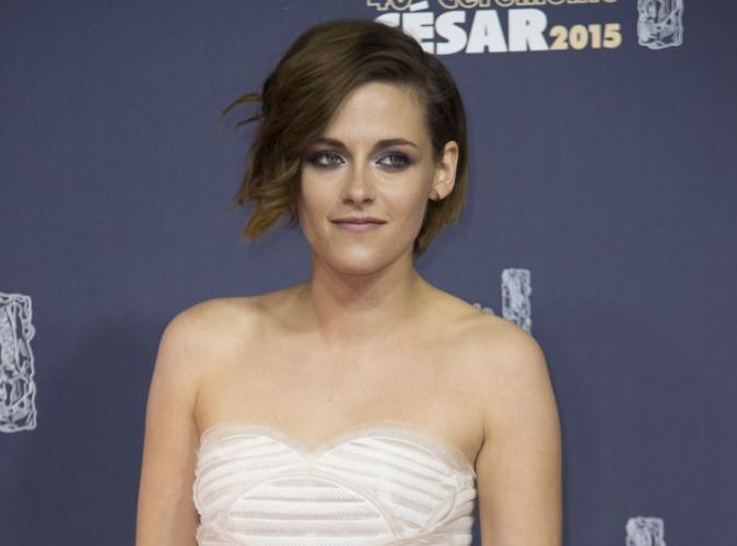Kristen Stewart bisexuelle : finalement sa mère n'assume pas !