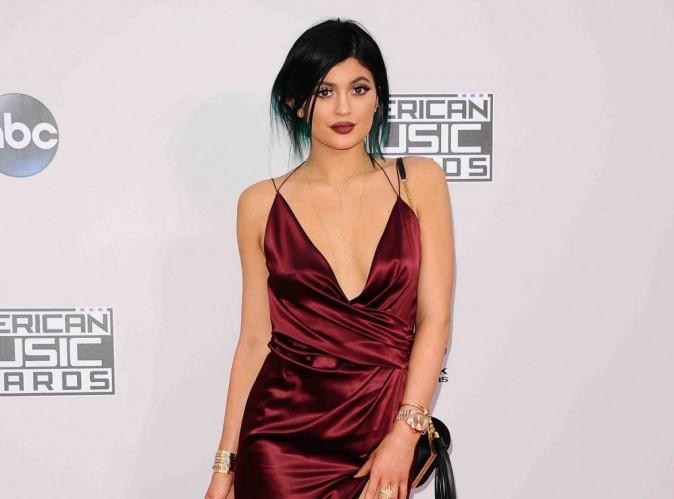 Kylie Jenner : elle taquine ses fans à propos de ses lèvres !