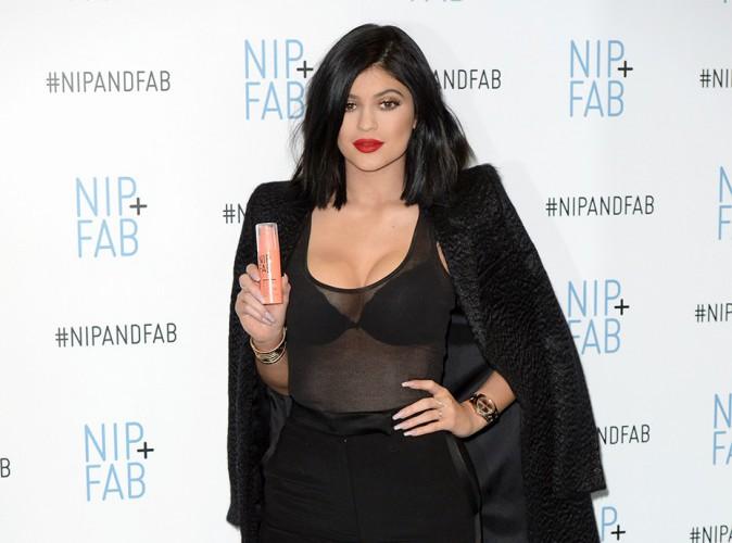 Kylie Jenner, la bague au doigt !