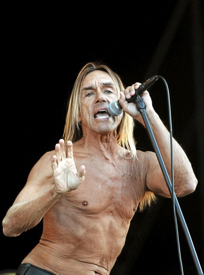 Iggy and The Stooges chantent après Jean-Louis Aubert au festival Rock Oz'Arènes