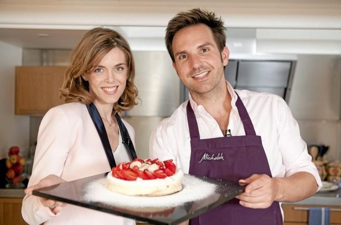 On passe la matinée en cuisine avec Julie Andrieu !