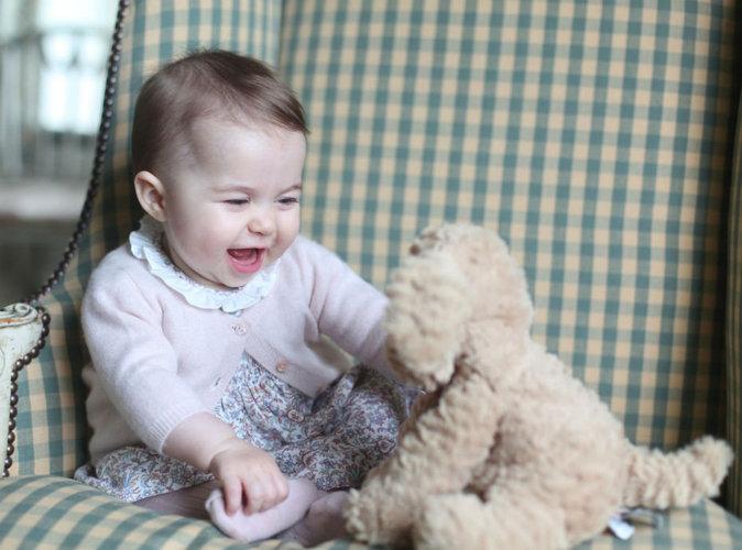 La petite Princesse Charlotte de Cambridge fait déjà de l'ombre à sa maman !