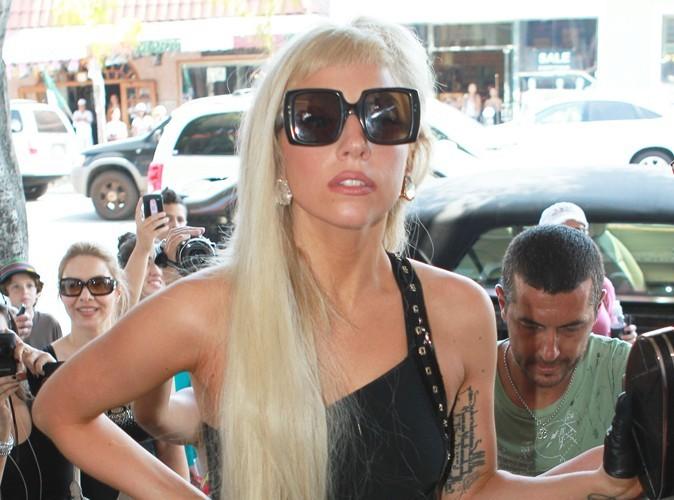Lady Gaga : elle se la joue surfeuse !