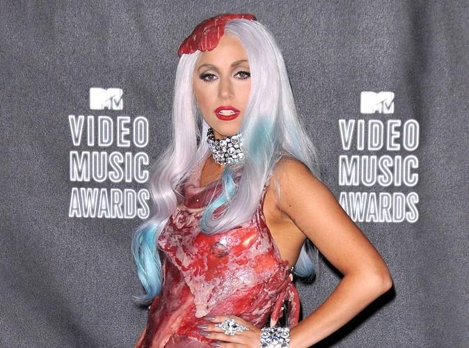 Lady Gaga : on lui demande de porter une robe faite de laitue !