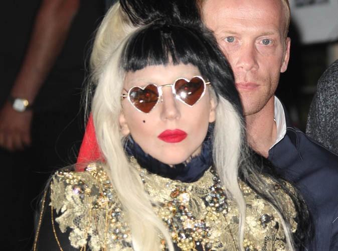 Lady Gaga : victime de violence au lycée, elle raconte qu'elle a été jetée dans une poubelle !