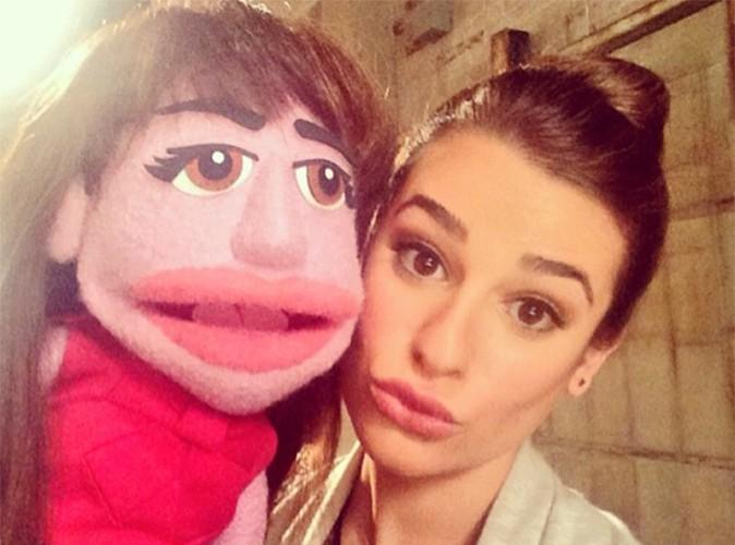 Lea Michele : duck-face obligatoire avec son double version Muppet !