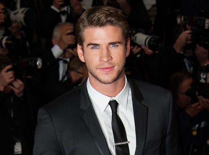 Liam Hemsworth : il rejoint Twitter... Et follow illico presto Miley Cyrus !