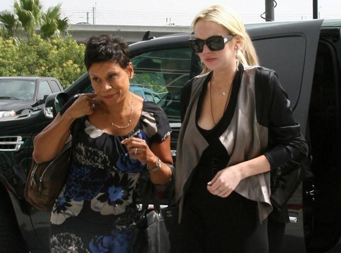 Lindsay Lohan : dans la tourmente, elle fait tout pour réembaucher son avocate fraichement licenciée !