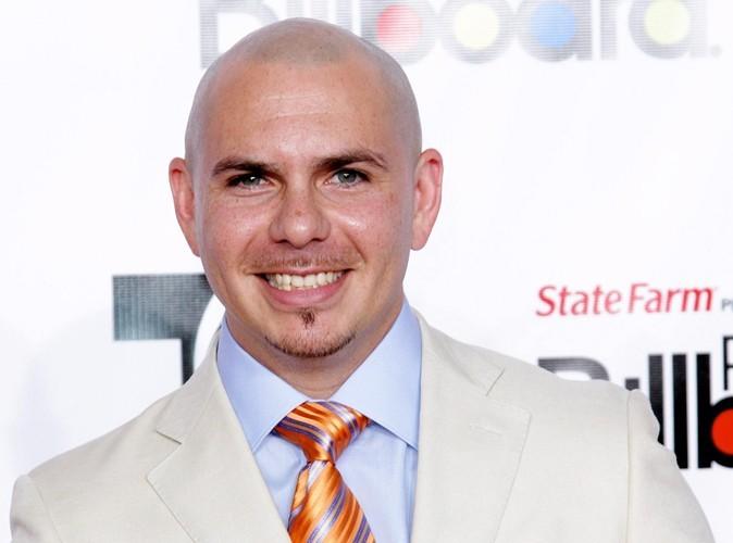 Lindsay Lohan : elle attaque le chanteur Pitbull en justice !