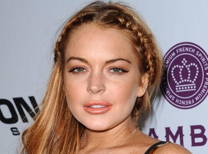 Lindsay Lohan : elle n'a toujours pas remercié Charlie Sheen pour son chèque de 100 000 dollars !